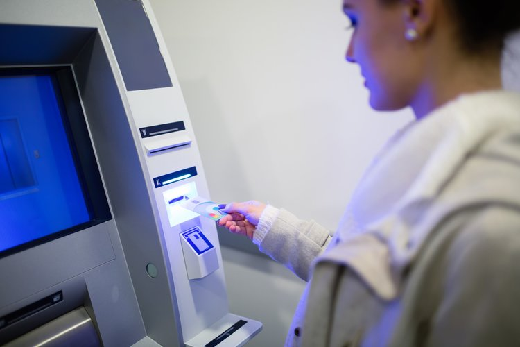 Withdrawing money from atm 6lucbdy 1 750 2500